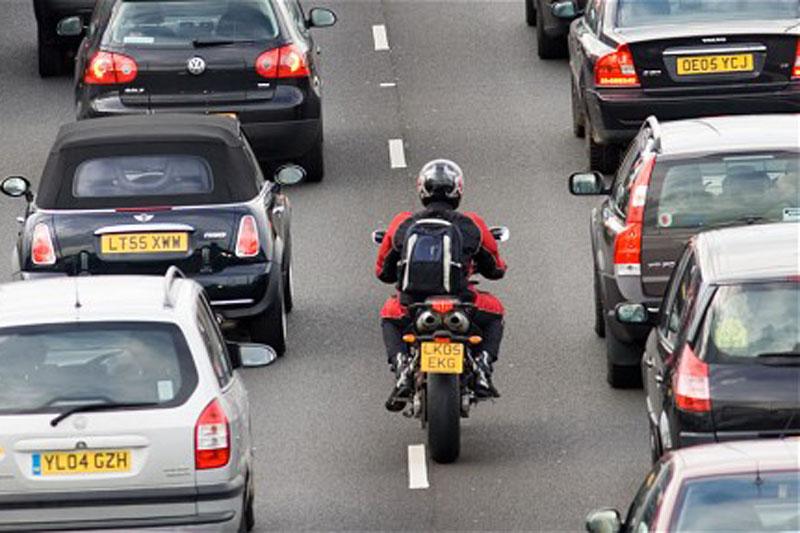 ДТП с мотоциклом в потоке